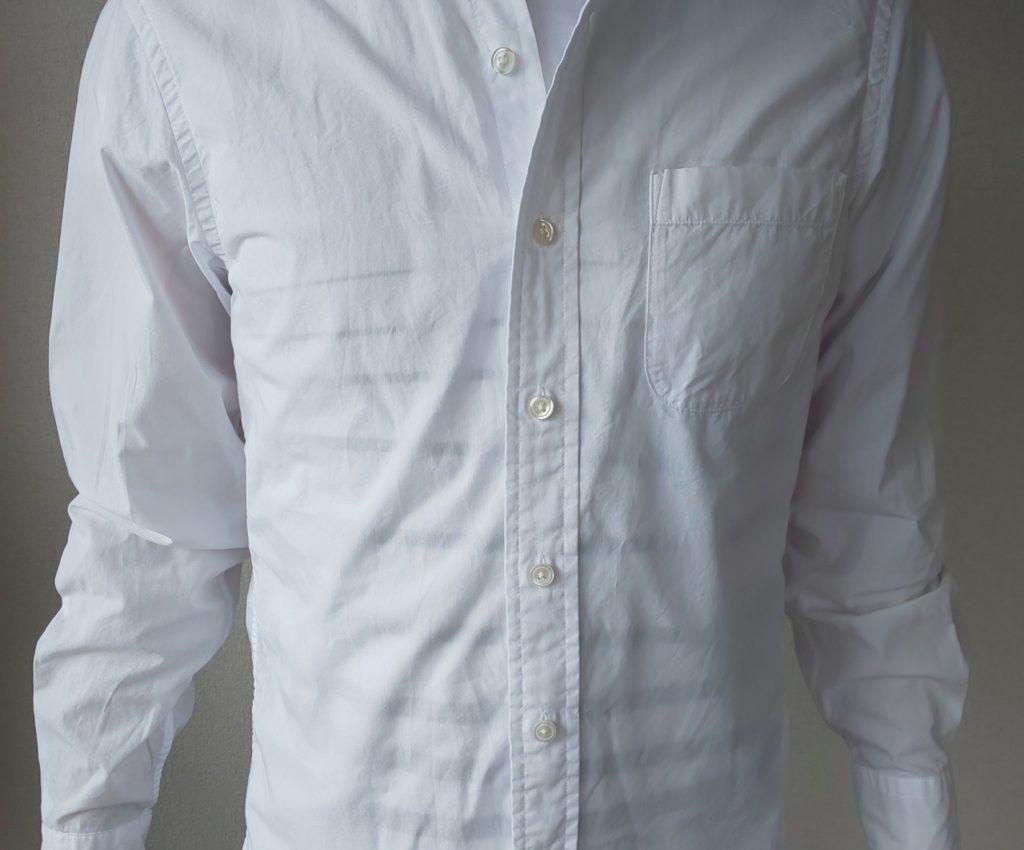 透けた白シャツ