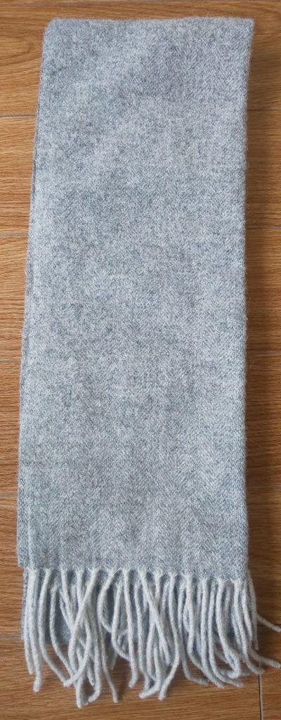 スーツカンパニーウールカシミアマフラー無地(ライトグレー)4,800円(税抜)