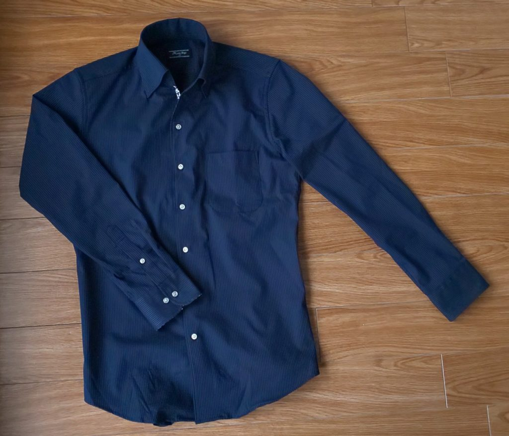 Men's bigiEVALETサッカーストライプシャツ 14,300円(税込)
