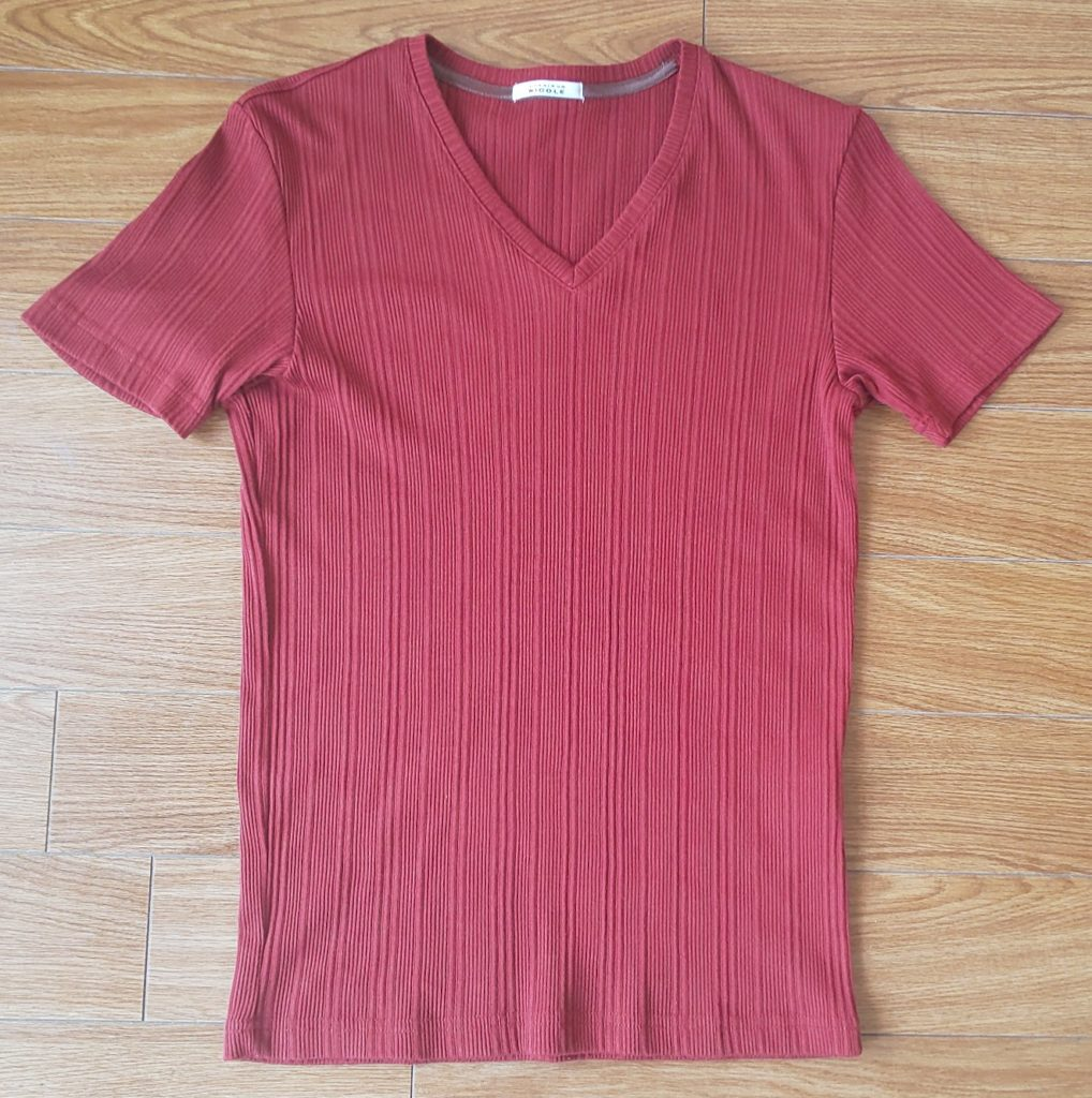 ムッシュニコル 半袖VネックTシャツ レンガ 4,620円(税込)