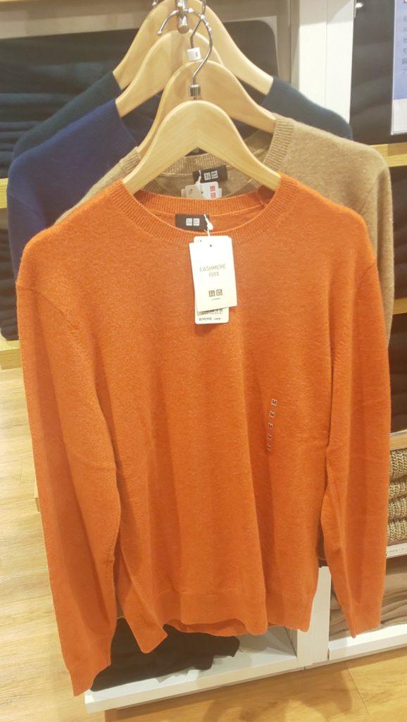 カシミヤクルーネックセーター(長袖)オレンジ 9,990円(税抜)