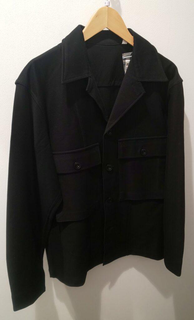 ユニクロ ジャージーシャツジャケット ブラック 5,990円(税抜)
