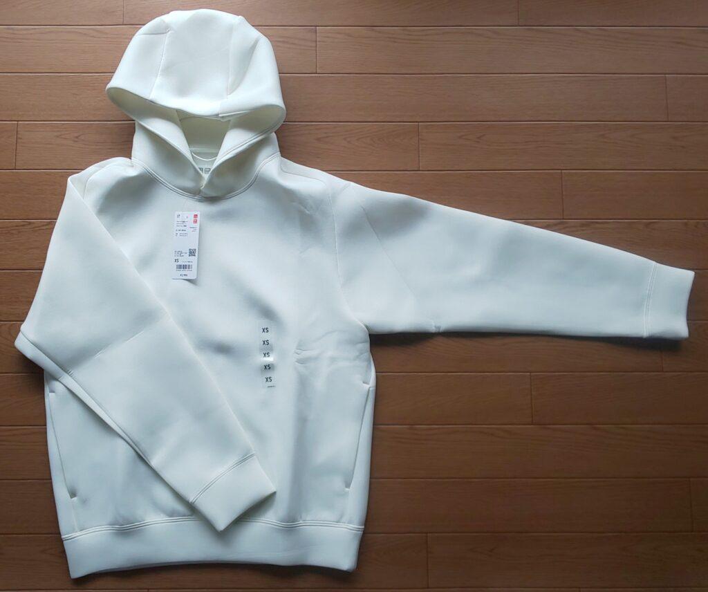 ユニクロ ウルトラストレッチドライスウェットプルパーカ(長袖) OFF WHITE 2990円