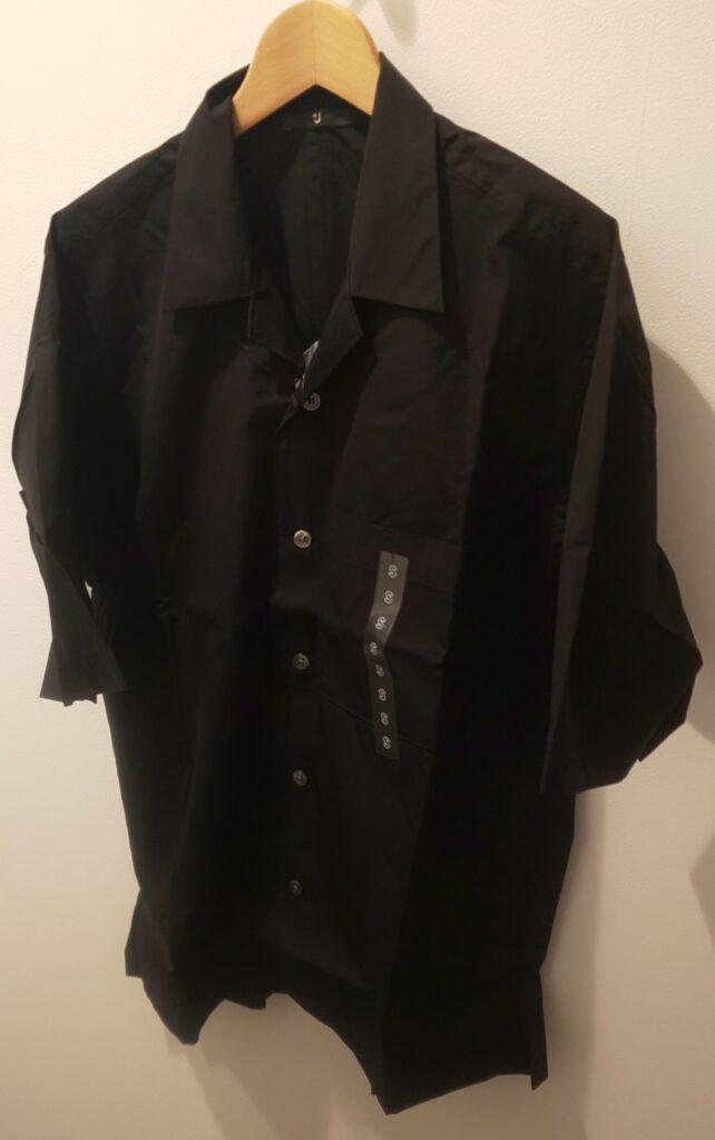 ユニクロ+J スーピマコットンオーバーサイズオープンカラーシャツ(半袖)ブラック 3,990円