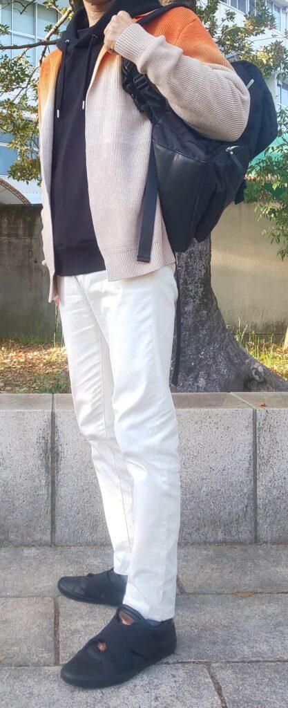 白パン+黒スニーカーコーデ(2021年)