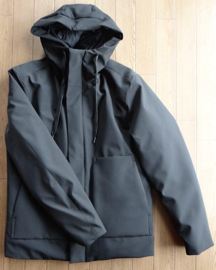 ZARA フーデッド パフジャケット ブラック 10,990円(税込)